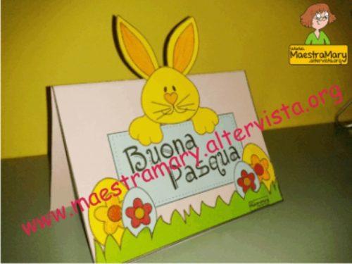 Biglietto di Pasqua con uova e coniglietto