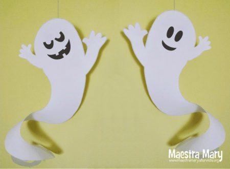 Decorazioni di Halloween con fantasmi